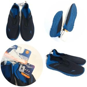 NEW Speedo boys water shoes size medium 2-3 blue